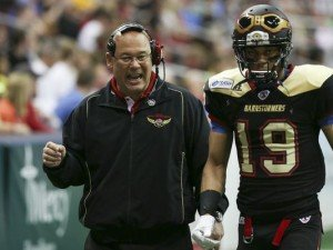Former Barnstormers coach Mike Hohensee talking with Julian Williams. (click photo to go to link)